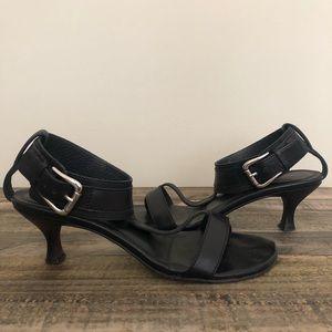 Donald J. Pliner Black Kitten Heel VIV Sandals 7M